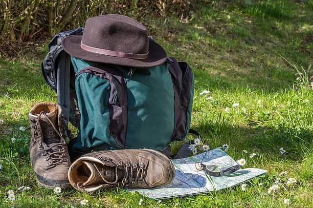 Sé un buen senderista, adquiere un compromiso con el entorno natural y contigo mismo