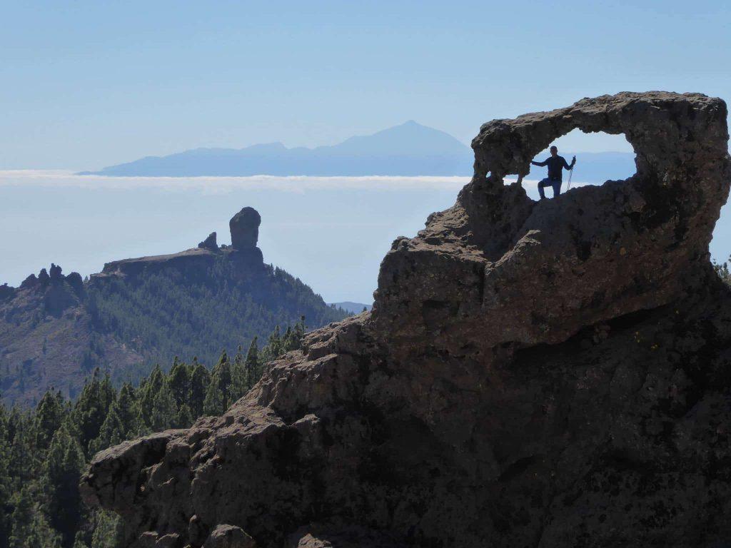 Para lo amantes y apasionados de la fotografía, este es un sendero que no se pueden perder  La codiciada y famosa foto de la ventana del Nublo junto al Pico de las Nieves, podrás hacerla realidad en esta ruta